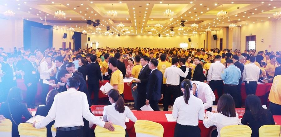 Golden Future City hút hàng trong ngày giới thiệu