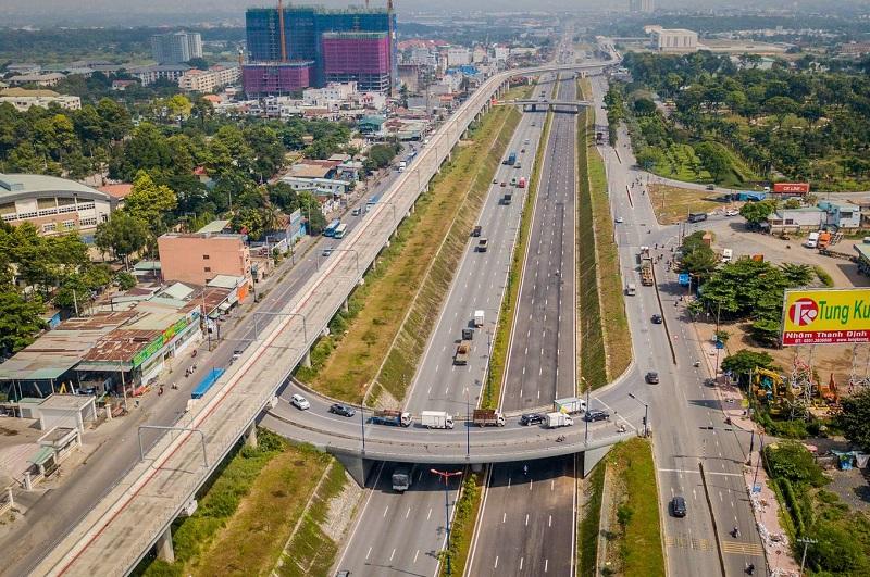 Nút giao thông cửa ngõ phía Đông TP HCM thông xe